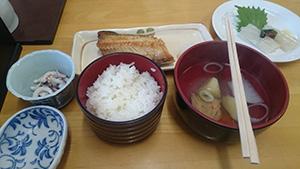 函館朝市での朝食