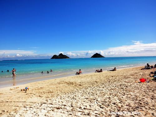 青い海、双子の島ラニカイ