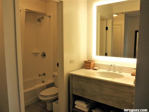 206 パシフィックビーチホテル、バスルーム