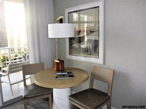 208 パシフィックビーチホテル テーブルセット