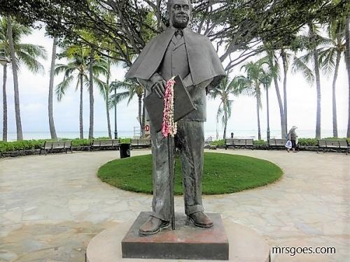 プリンス・クヒオ像