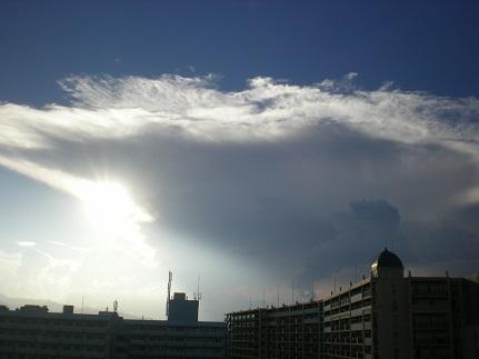 大きな雲.jpg