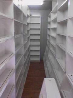 書庫床貼り