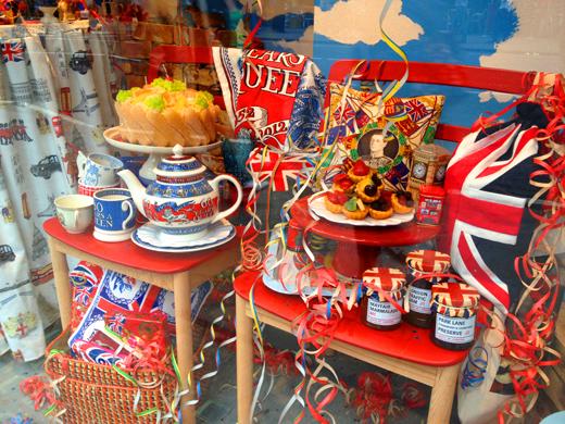 views of London during The Queen's Diamond Jubilee/ エリザベス女王即位60周年 ダイアモンド・ジュビリー ロンドンの様子