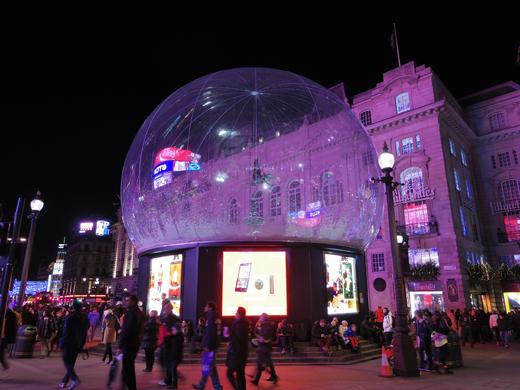 Eros,Christmas,snow globe,Piccadilly Circus, クリスマス, エロス像,スノーボール ス