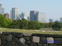 皇居東御苑・天守台から丸の内方向を展望