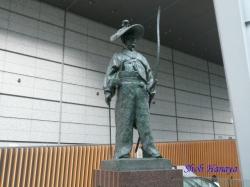 東京国際フォーラムの太田道灌像2