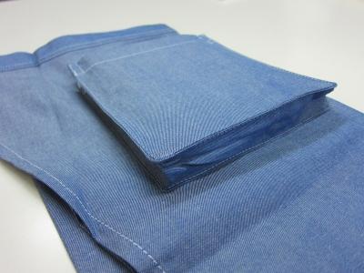 ミドルダンガリーエプロンブルーのポケット