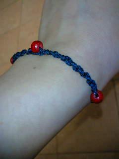 藍色のブレスレット