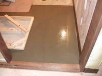 トイレ部分の床、コルク張り前の下地