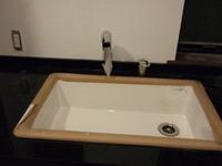 洗面台のシャワー水栓もつきました