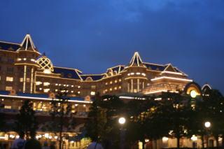 夕暮れのランドホテル♪