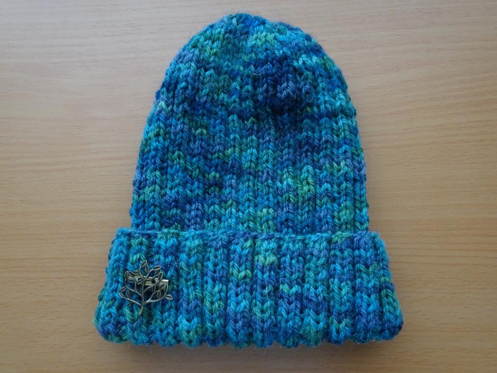 ゴム編みの帽子