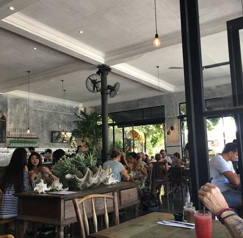 バリ レストラン カフェ