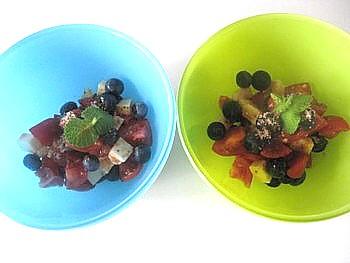 トマトとチーズトブルーベリーの甘いサラダ3