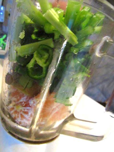農家とダイレクトの野菜で作るスムージー (1).JPG