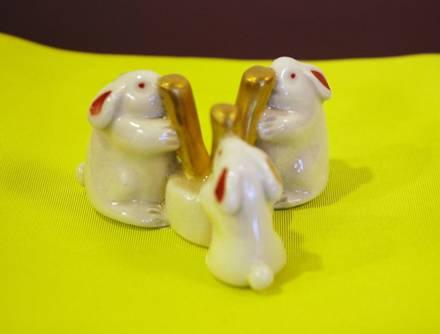 三つ兔蓋置