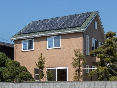 杉山邸太陽光発電.jpg