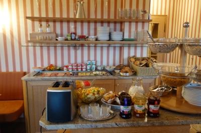 ブルクホテル朝ご飯1