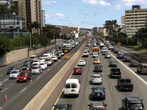 ホノルル 渋滞