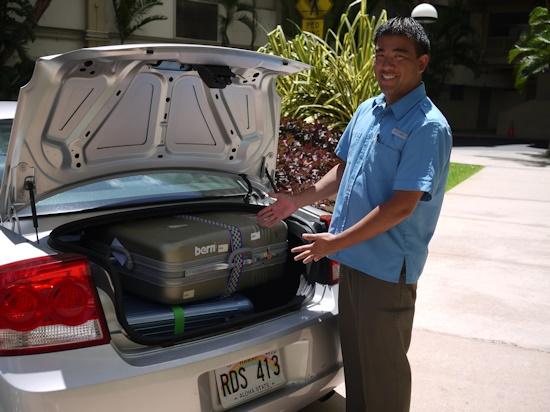 ハワイ レンタカー スーツケース