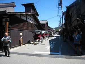2011-09-07huruimachinami-jinnrikisya.jpg