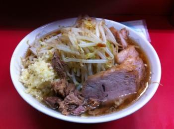 麺カタメニンニクカラメ