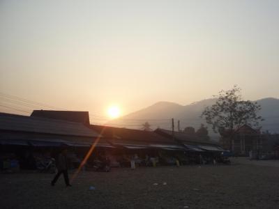 ラオスで見た朝陽