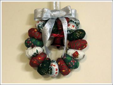 ヨーヨーキルトのクリスマスリース
