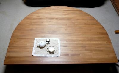 ダイニングテーブル 半円 大きい.JPG