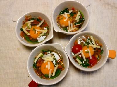 卵のココット トマト