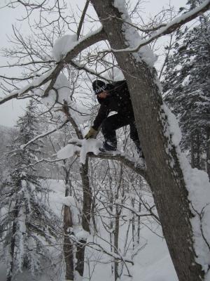 雪中ジャンプ