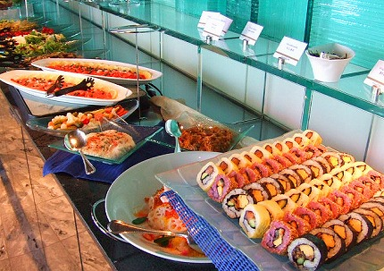 スモークサーモンとちらしや創作寿司