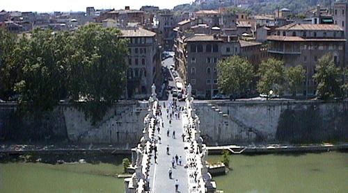 サンタンジェロ橋からカンポデフィオーレ