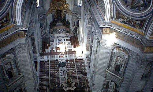 サンピエトロのドームから下を見る