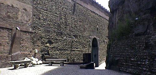 サンタンジェロ城壁の内側