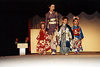 着付け・海外きものショー1999年ギリシャ