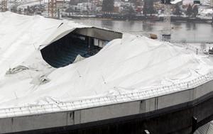 BCプレース 壊れた屋根