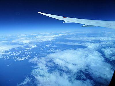 飛行機の中 04