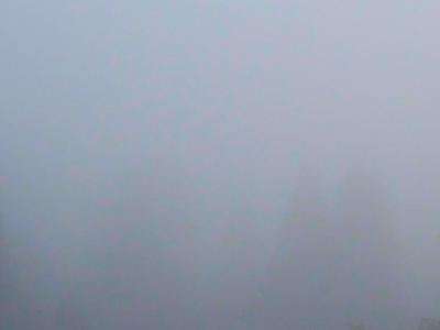 霧の朝 01