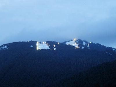 グラウス山 夜