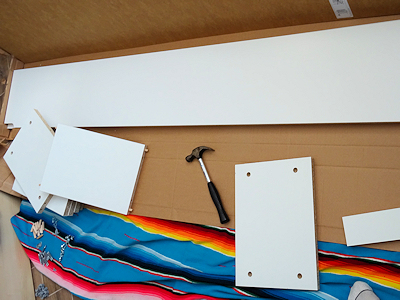 IKEAの本棚 組み立て