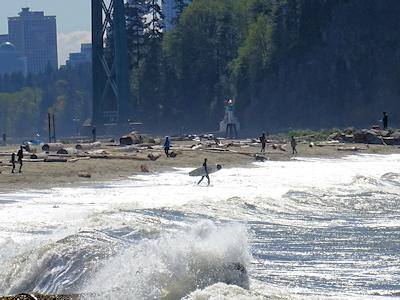 カナダでサーフィン