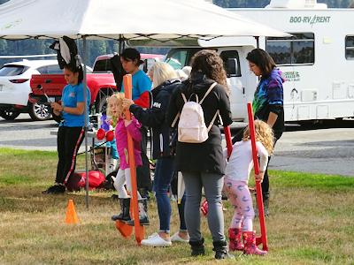 Coho Festival 竹馬で遊ぶ子供
