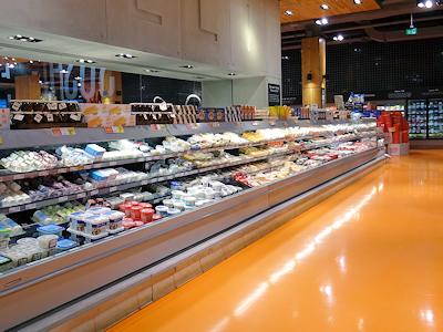 カナダのスーパーの今 チーズ
