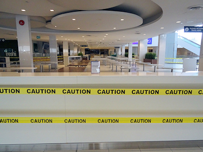 カナダのショッピングモール フードコート閉鎖