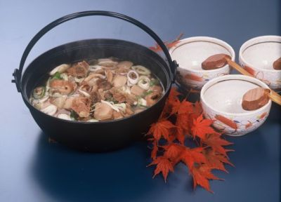 東根名産六田の焼麩いり芋煮鍋