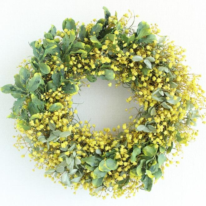 黄色いカスミ草のプリザーブドフラワーリース