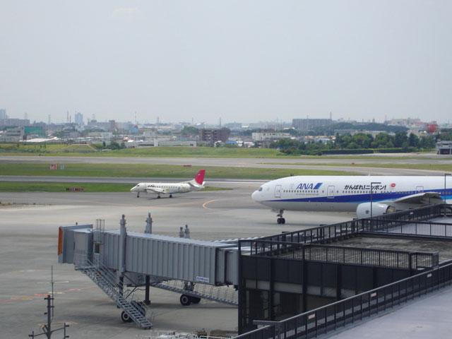 大阪国際空港の展望デッキ