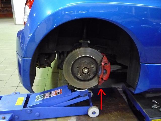 タイヤが接地した状況と同じ負荷をかけて